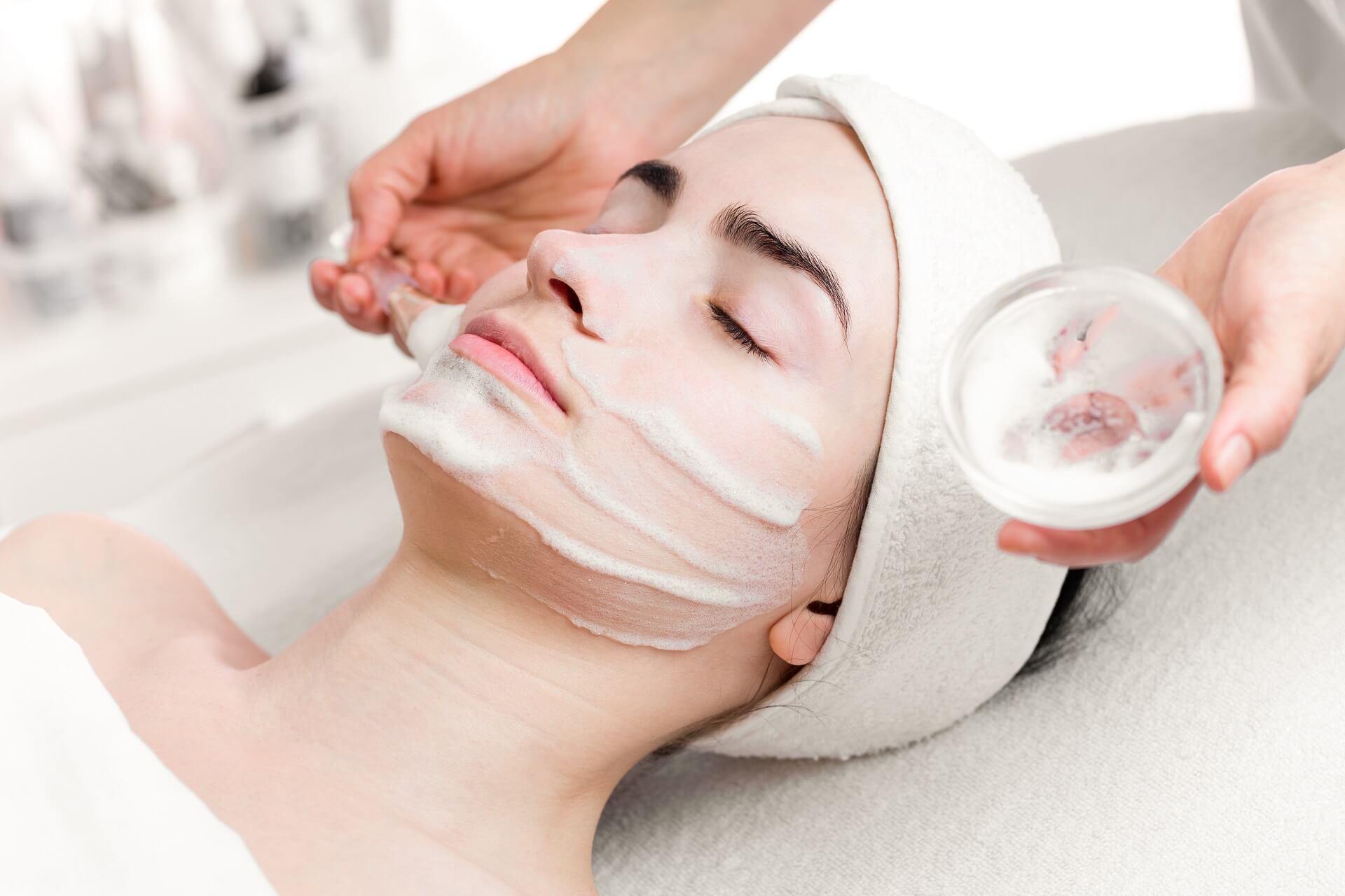 Dermatolog Danuta Nowicka_peeling